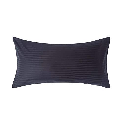 Homescapes Kissenbezug 50 x 90 cm schwarz mit Satin-Streifen - 100% Reine ägyptische Baumwolle, Fadendichte 330 - Kissenhülle mit Hotelverschluss, extra groß -