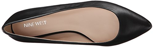 Nine West Ballet en cuir plat en cours Black