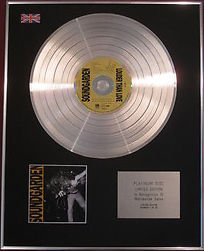 soundgarden-cd-platinum-disc-louder-than-love