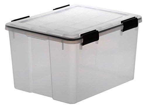 XL Lagerbox aus transparentem Kunststoff mit Dichtungsring im Deckel für Nässe, Staub und Schmutz. Maße ca. 59 x 38,5 x 29 cm. 50 Liter Volumen. TOP QUALITÄT!