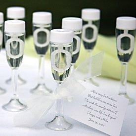 Wedding Bubbles Seifenblasenflaschen in Champagnerglasform, 72 Stück