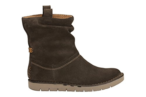 Clarks Un Ashburn Women's Boots in Khaki and Black Suede khaki suede
