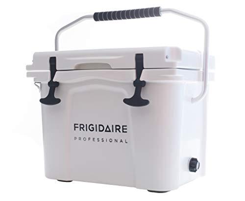 Frigidaire Professional 22 Qt. Roto-Molded Hardkühler, Polarweiß, FXHC2201-POLAR