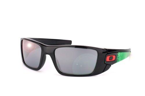 oakley-fuel-cell-oo9096-polished-black-black-iridium-kunststoffgestell-sonnenbrillen