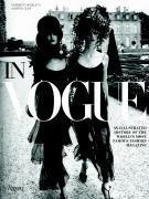 Portada del libro In Vogue: The Illustrated History of the World's Most Famous Fashion Magazine by Alberto Oliva (2006-10-10)