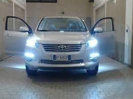 kit-fari-xenon-auto-lampade-h11-6000k-35-watt-adatto-per-toyota-rav4-dal-2005-al-2013-2-filtri-centr