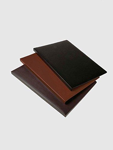 Vade de sobremesa en color cuero con ángulo de sujeción. Medidas: 51 x 35 cm