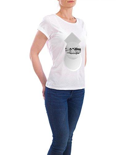 """Design T-Shirt Frauen Earth Positive """"The World"""" - stylisches Shirt Geometrie Reise von Mia Nissen Weiß"""
