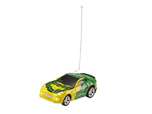 Revell Control 23537 - Mini RC Car in Dosenverpackung, Verpackung ähnelt einer Cola-Dose, kleines ferngesteuertes RC Auto, 40 MHz-Fernsteuerung mit Ladefunktion, Pylonen - Sportwagen in grün/gelb - 4