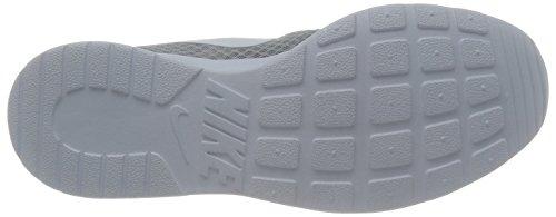 Nike Tanjun, Chaussures de Running Entrainement Homme Gris (Wolf Greywhite)