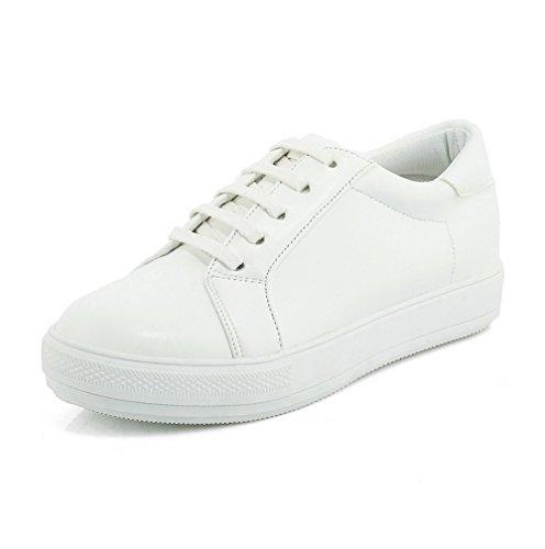 AllhqFashion Damen Schnüren Rund Zehe Niedriger Absatz Gemischte Farbe Pumps Schuhe Weiß