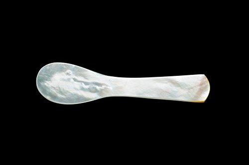 caviar-de-neuvic-cuillere-en-nacre-5-cm