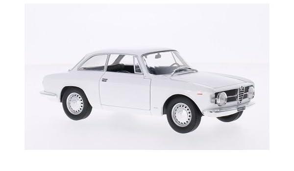 Alfa Romeo Giulia GT 1300 Junior Coupe Weiss 1966 Mit Sockel und Vitrine 1//24 ..