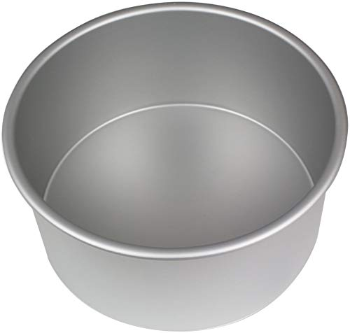 8'' Seamless anodised aluminium tin. Professional quality straight sides with no seams. Top hemmed rim for strength and durability. 8'' diameter x 4'' deep.
