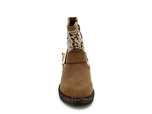 "CHIC NANA . Chaussure Fille Mode Bottine ""Maude"", semelle renforcée, bride cheville, motif style dentelle strasse. Camel"