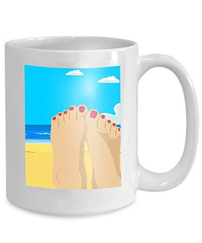 Kaffee Tee Tasse Tasse Frau Füße Nahaufnahme Mädchen entspannenden Strand sunbed genießen Sonne sonnigen Sommertag Urlaub Ferien Fantasy 110z -