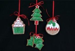 Gisela Graham - set di 4 in resina Decorazioni Albero di Natale - Albero , Agrifoglio , budino , torta