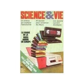 SCIENCE ET VIE [No 782] du 01/11/1982 - LE CINEMA QUI EXPLIQUE L'ASTRONOMIE - CONSERVER LES FLEURS LES SAVANTS OUVRENT BOUTIQUES - LA VAGUE DE LA VIDEO ARRIVE EN EUROPE - TELEPHONE. par du 01/11/1982 - LE CINEMA QUI EXPLIQUE L'ASTRONOMIE -...