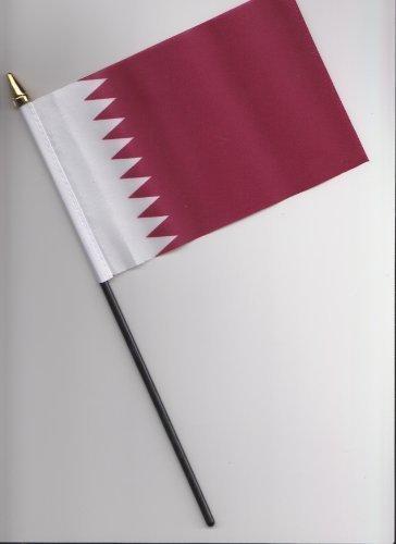 Drapeau Qatar main 25 cm