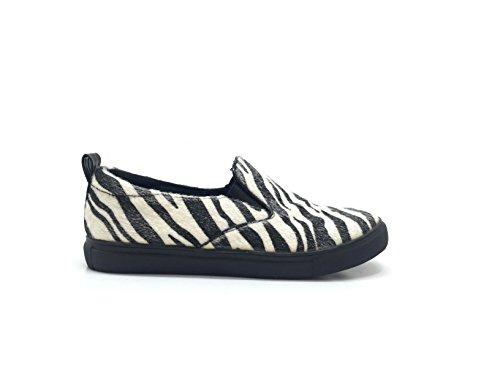 CHIC NANA . Chaussure Mode Baskets Tennis Sneakers Slip-On, Mode femme, bout rond, à enfiler façon poils de poney à imprimé zébre.