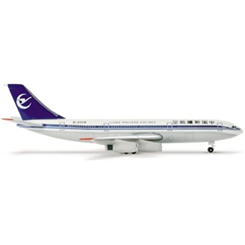 Herpa 505253  - China, Xinjiang Aerolíneas Ilyushin IL-86