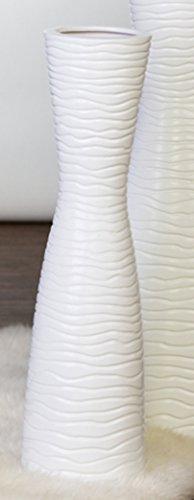 XL Designer-Vase Tamera aus Keramik . weiß . matt mit Wellenrelief Höhe 58 cm . Ø 14 cm