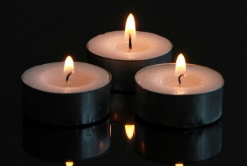 Velas–blanco sin aroma quemador de aceite calentador de alimentos té luces velas en plata vasos, aproximado 4horas de combustión, Paquete de 100