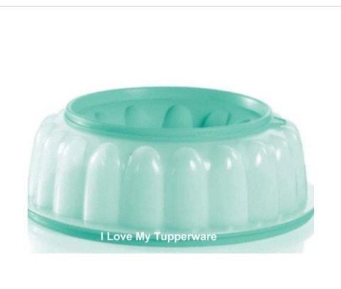 Jel-ring (Tupperware 6 Cup Jel-Ring Jello Mold, Ice Ring, by Tupperware)