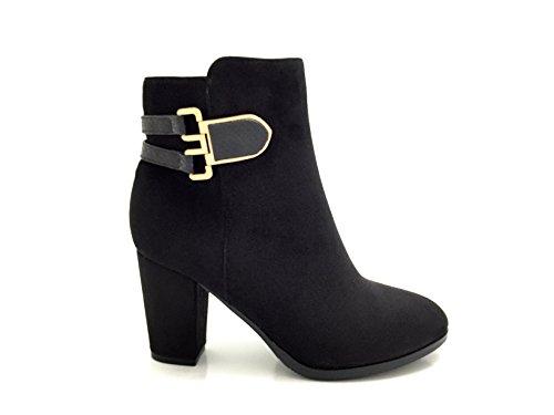 CHIC NANA . Chaussure femme bottine à talon, style daim, bride boucle fantaisie effet croco.