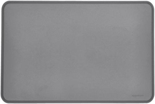 AmazonBasics - Wasserabweisende Napfunterlage aus Silikon, Unterlage für Haustierfutter, 61 x 41 cm, Grau