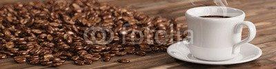 Leinwand-Bild 160 x 40 cm: 'Frische Tasse Kaffee mit vielen Kaffeebohnen', Bild auf Leinwand