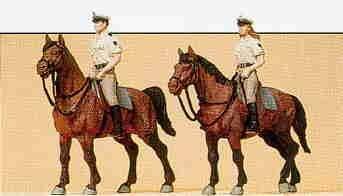 Preiser 1/87th–pr10389–Modelleisenbahnen–Polizei zu Pferd einheitliche, Sommerduft