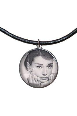 Pendentif en acier inoxydable, 30 mm, cordon en cuir, fait à la main, illustration Audrey Hepburn 2