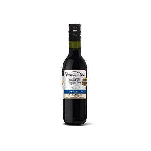 Entregar un buen vino como recuerdo en bodas y comuniones siempre destaca como regalo para los invitados en ese día tan especial. Son unas botellas de vino excelentes para la ocasión, con un diseño muy elegante y un exquisito sabor y aroma que cautiv...