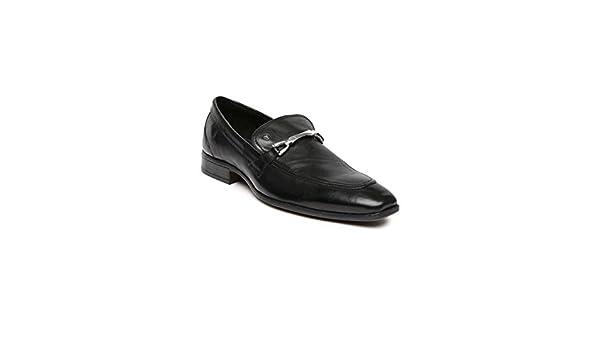 3c0245dea89 Van Heusen Men s Black Leather Formal Shoes - 10 UK India (44 EU)  Buy  Online at Low Prices in India - Amazon.in