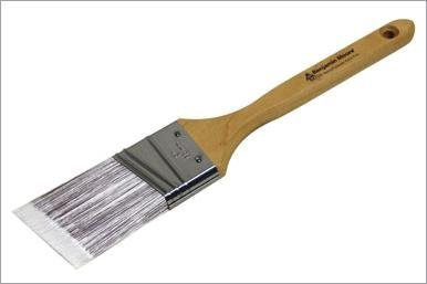 wooster-brush-company-205910-benjamin-moore-paint-brush-professional-grade-angle-2-by-wooster-brush