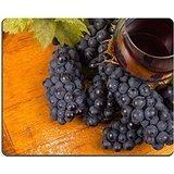 Luxlady Gaming Mousepad Image ID: 22507368bicchiere di vino rosso con UVA e vecchio barile