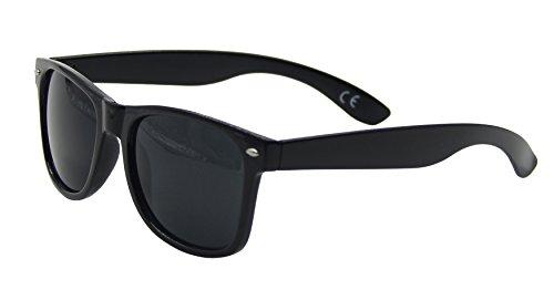 Classic UV400 Dark Lens Eyeware Sunglasses