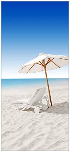 Wallario Selbstklebende Türtapete Sonnenliege am Strand - 93 x 205 cm in Premium-Qualität:...