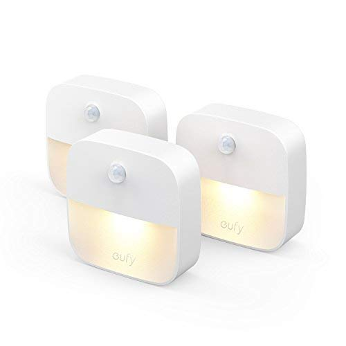 Eufy Lumi 3 Pack LED Nachtlicht mit Bewegungssensor, Warmes weißes Lichter, Auto ON/OFF, Schrankbeleuchtung mit Haftend für Kinderzimmer, Schlafzimmer, Orientierungslicht, Energieeffizient (3 Pack)