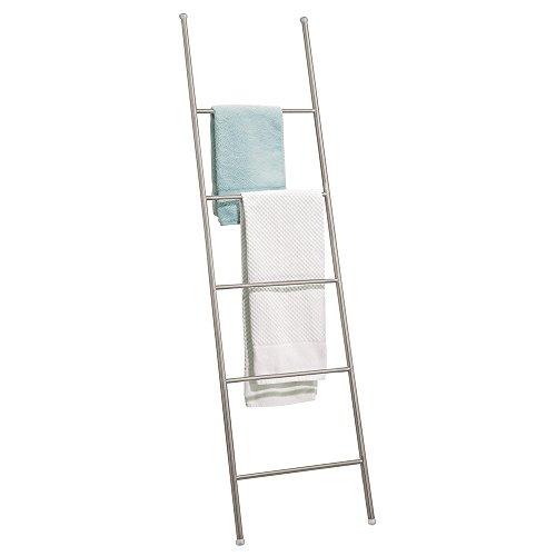mDesign - Toallero-escalera autónomo para almacenamiento en el cuarto de baño - 5 barrales - Satinado