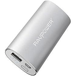 RAVPower Caricabatterie Portatile Luster 6700mAh con Tecnologia iSmart (Uscita 2.4A, Ingresso 2A) Batteria Esterna Universale per iPhone, iPad, Smartphone, tablet, ecc (Argento)