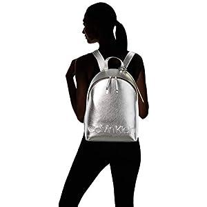 31kJmjdMagL. SS300  - Calvin Klein - Edged Backpack Met, Mochilas Mujer, Gris (Silver), 15x38x27.5 cm (B x H T)