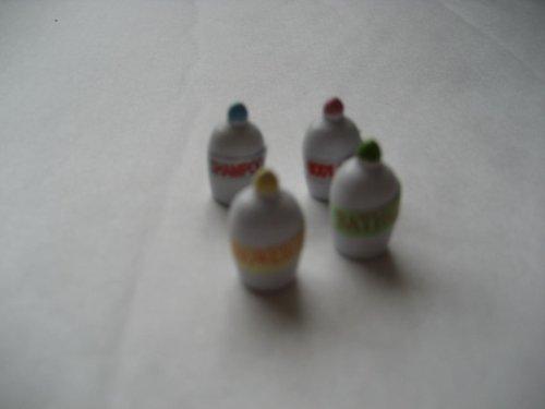 Accessori da toeletta assortiti per casa delle bambole, scala 1:12