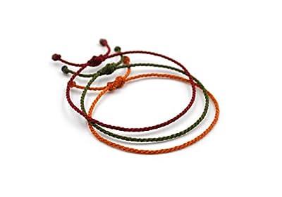 X3 Bracelets corde Mix Rouge Foncé Vert Kaki & Orange Camel. Simple/Unisexe/Porte chance/Brésilien. Fins cordons souples tressés main avec du fil ciré. Ajustable nœud coulissant. X3G