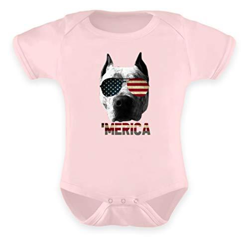 Merica - Pitbullkopf mit USA Sonnenbrille - Baby Body -12-18 Monate-Puder Rosa