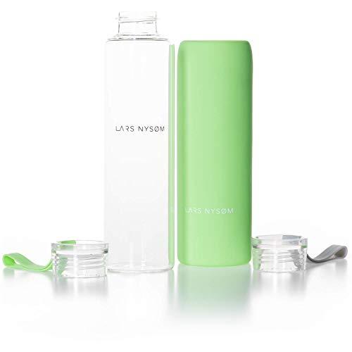 LARS NYSØM Pure Life Glas Trinkflasche (Spring Green) I 550ml Glasflasche BPA-frei mit Ersatzdeckel und Silikonhülle I Borosilikatglas Getränkeflasche 270g für Sport, Fahrrad, Yoga, Auto
