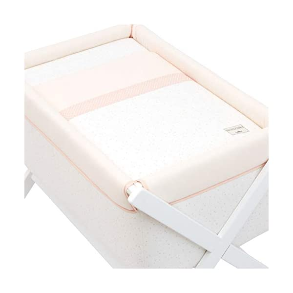Cambrass Small Bed x Wood Une Cambrass Wooden structure in white wood Suitable for the baby's first months 4 wheels: easy to move around the house 10