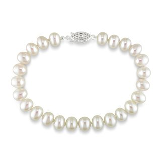 new-pure-white-real-freshwater-pearl-bracelet-with-designer-clasp-in-gift-box