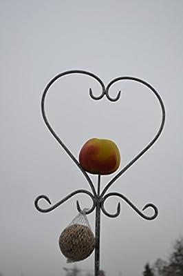Gartenstecker 140-150 cm- Meisenknödelhalter - Futterstelle in Herzform für Meisenknödel und Obst - aus Metall von Maison-en-France bei Du und dein Garten